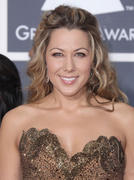 *ADDS* Colbie Caillat @ 52nd Annual Grammy Awards 01/31/10- 44 HQ