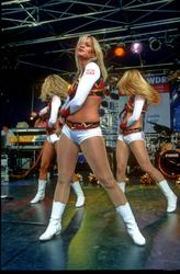 [Image: th_195454569_tduid2978_Cheerleaders_430_122_373lo.jpg]