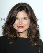 http://img179.imagevenue.com/loc38/th_821595255_Tiffani_Thiessen_at_3rd_Annual_Give_GetFete1_122_38lo.jpg