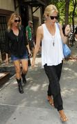 Faith Hill and Gwyneth Paltrow share a lunch date together in NYC 8/10/10