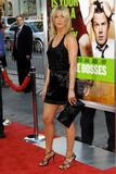 th_11682_JenniferAniston_HorribleBossespremiere_Hollywood_300611_036_122_503lo.jpg