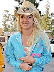 th 96210 britney spears2 122 526lo Britney Spears having fun with her two pals