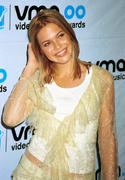 http://img179.imagevenue.com/loc577/th_31289_Mandy_at_2000_MTV_Video_Music_Awards2_122_577lo.jpg